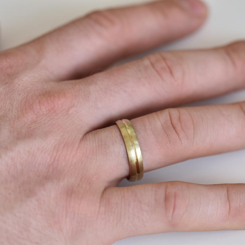 Zlate Snubni Prsteny S Diamantem Dellai Eppi Cz