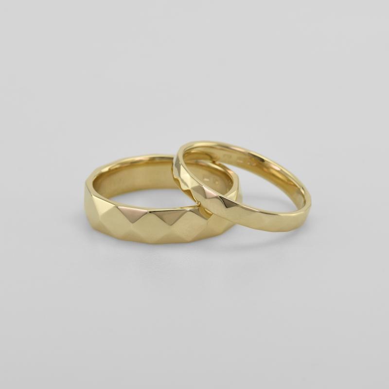 Zlate Snubni Prsteny Se Vzorem Becy Eppi Cz