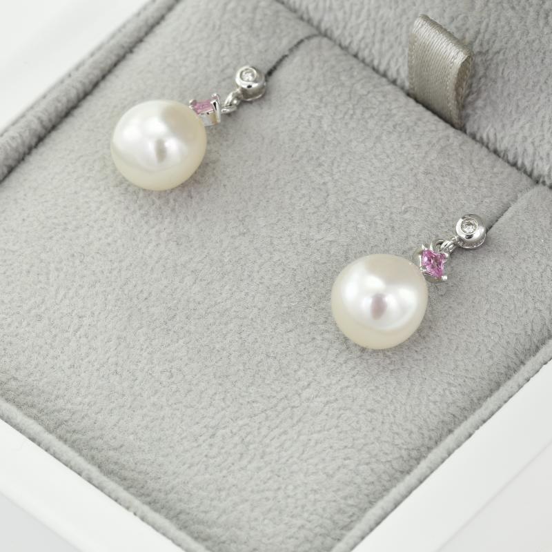 ... Zlaté náušnice s perlami 66bf02e4fb1