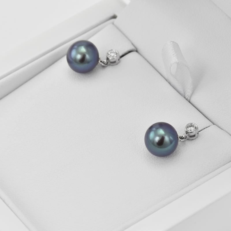 ... Černé sladkovodní perly v náušnicích s diamanty Dinah b6b5a0a377d