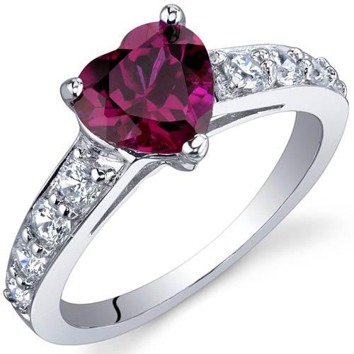 Srdíčkový rubín v stříbrnem prstenu Bailey