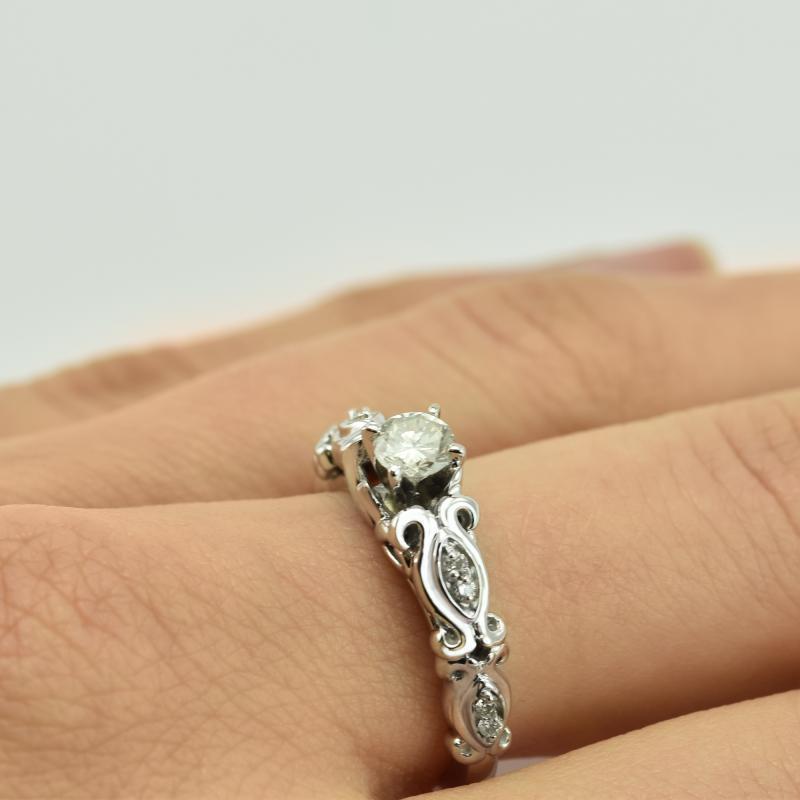 Vintage Zasnubni Zlaty Prsten S Diamanty Kassidie Eppi Cz